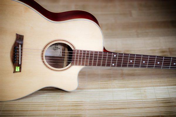 Guitar Quảng Bình - Guitar Acoustic AV1200