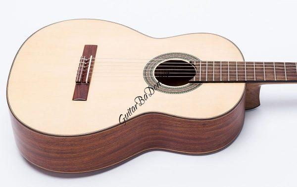 Guitar Ba đờn C300
